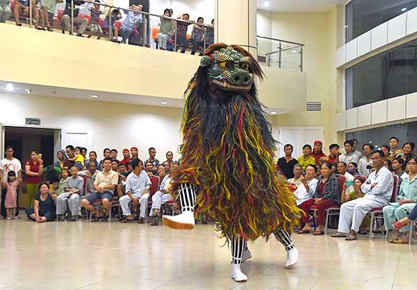 八重瀬芸能団 ベトナムで慰問公演とワークショップ