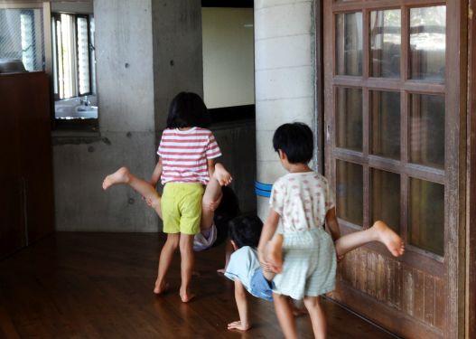 待機児童解消を優先、保護者と溝