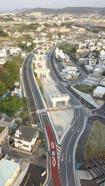 南風原道路が一部開通 宮平―新川の1・2キロ