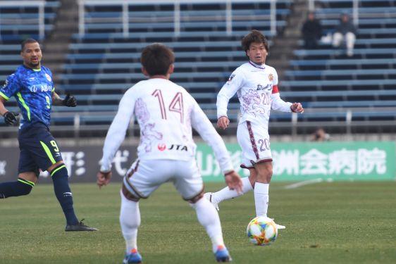 FC琉球、開幕連勝はストップ 山形と1ー1