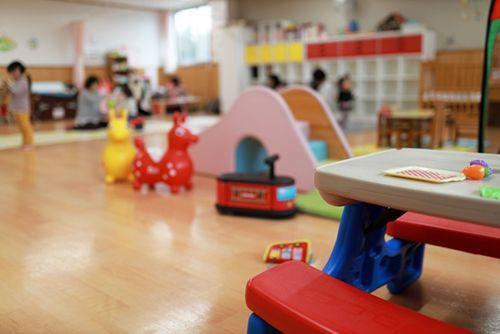 コロナ 幼稚園 休園