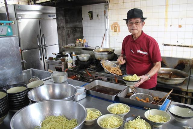 92歳「元祖ソーキそば」秘話 きょう沖縄そばの日