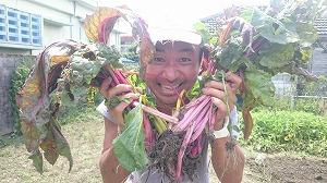 テーマは「美容室と畑とヨガ」(1) 沖縄で古民家再生 コザの裏側 夫婦で始めたDIYストーリー